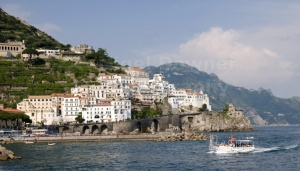 TR-0052 Amalfi town in Italy from the sea