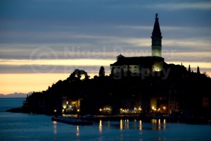 TR-0083 The town of Rovinj Croatia at night