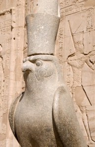 TR-0096 Falcon statue at the Temple of Horus