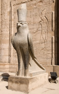 TR-0097 Falcon statue at the Temple of Horus